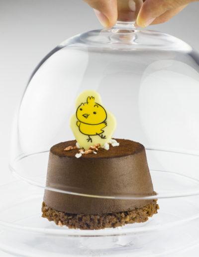 Pollito de chocolate para decorar postres